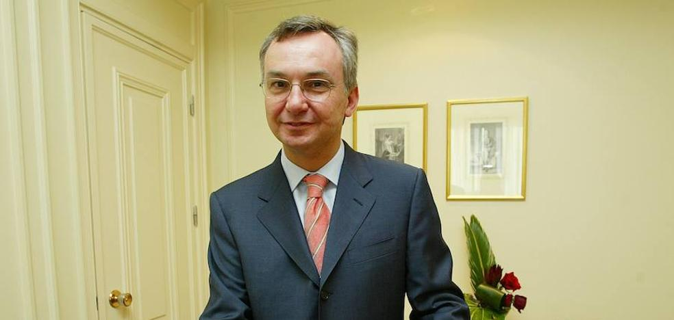 Baselga dimite por no declarar tres millones cobrados de las farmacéuticas