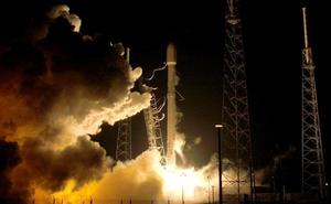SpaceX ficha su primer turista lunar