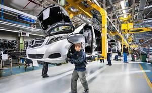 Mercedes no descarta nuevas paradas de producción si se agrava la crisis del diésel