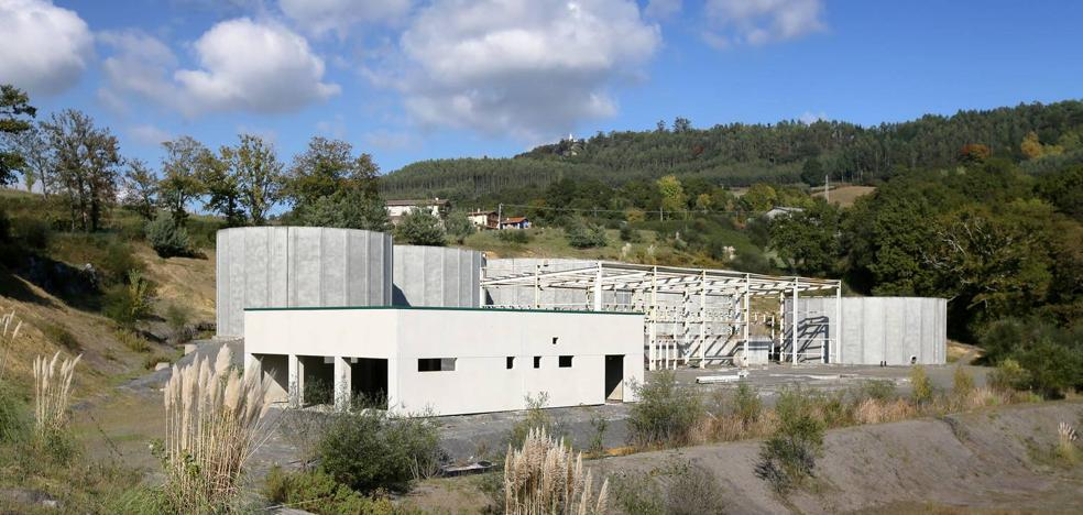 La Audiencia condena al exalcalde y a un alto cargo del Gobierno vasco por el fiasco de los purines de Carranza