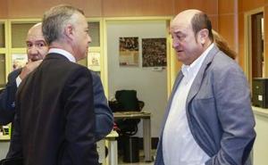Urkullu y Ortuzar asumen que su minoría dificultará la gestión de gobierno en un año electoral