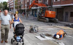 Comerciantes y vecinos de Leioa reniegan de las obras para peatonalizar Sabino Arana