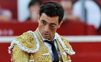 Terrible pitonazo al torero Paco Ureña en Albacete