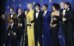 Los Emmy se sientan en el trono de hierro