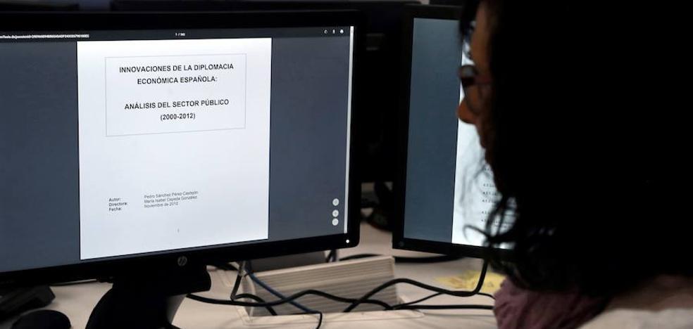 Una empresa antiplagio rectifica los datos de la Moncloa sobre la tesis de Pedro Sánchez