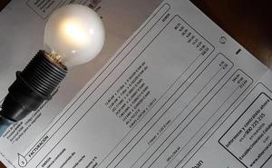 El Gobierno suspende el impuesto a la generación para intentar bajar el precio de la luz