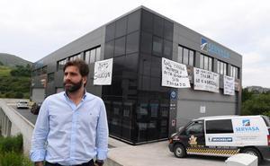 La plantilla de un taller de Santurtzi amenaza con otro encierro al no conseguir la licencia