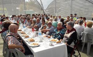 La comida para mayores abre boca a las fiestas de Iurreta