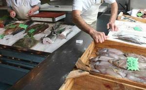 Piden 3 años de cárcel para el dueño de una pescadería de Vitoria que llamaba «chochito» a su empleada