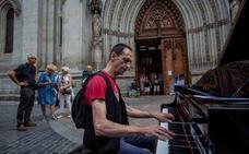 Pianistas anónimos ponen banda sonora a Bilbao y Getxo