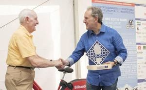 El corredor de 89 años Fortunato Vencedor, galardonado con el Premio Paseante de Bilbao 2018