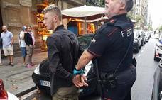 Detenido un menor por robar un móvil mientras pedía limosna en una terraza de Bilbao