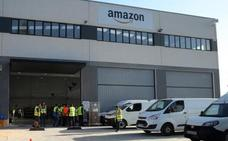 Amazon abre hoy su primera base en Bizkaia y estrena red propia de reparto
