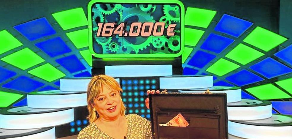 Una camarera de Vitoria se lleva el mayor bote de la historia en un concurso de ETB