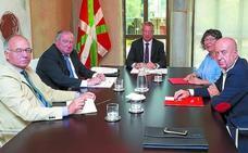 El Gobierno, Confebask, CC OO y UGT resucitan el diálogo social