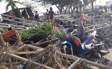 Aumentan a 420 los muertos por los seísmos y el tsunami en Indonesia