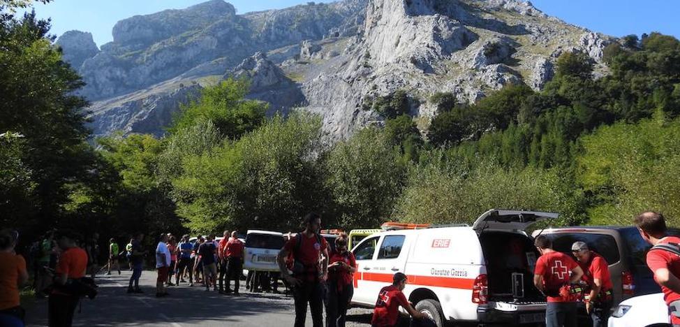 Un profesor de la UPV muere al despeñarse mientras hacía alpinismo en la sierra del Anboto
