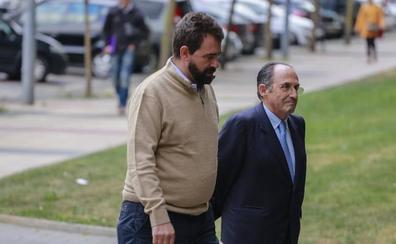 De Miguel abandona el juicio para irse a Urgencias