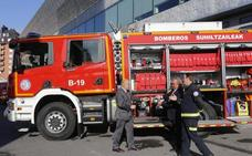 Los bomberos de Bilbao renuevan su flota con una nueva autobomba y otros tres vehículos de servicio