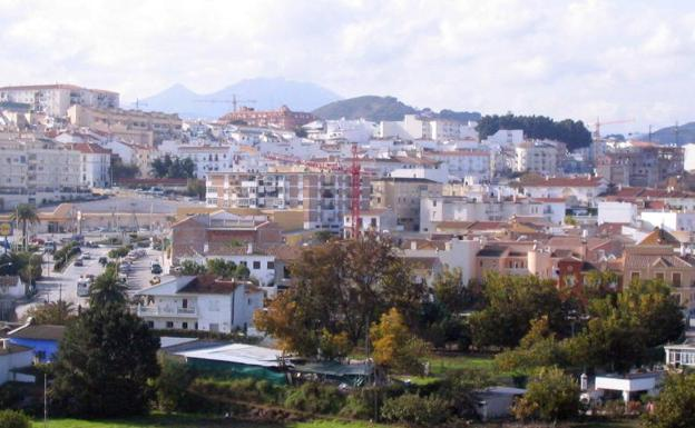 Hallan los cadáveres de dos mujeres y un hombre en Málaga