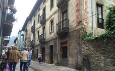 La nueva peatonalización del casco histórico de Balmaseda echa a andar