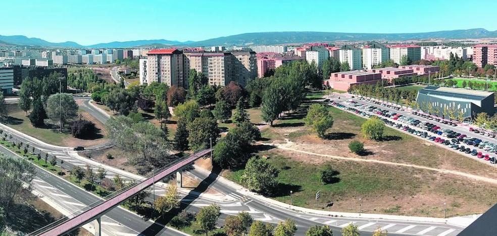 Vitoria estudia fórmulas para eliminar los vacíos urbanos del Seminario y Arana