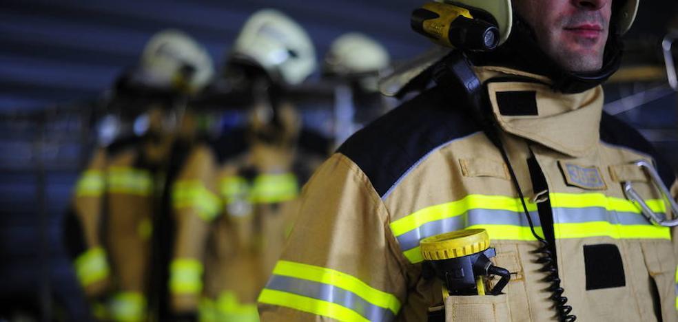 Un incendio obliga a desalojar de madrugada a los vecinos de un edificio de Otxarkoaga