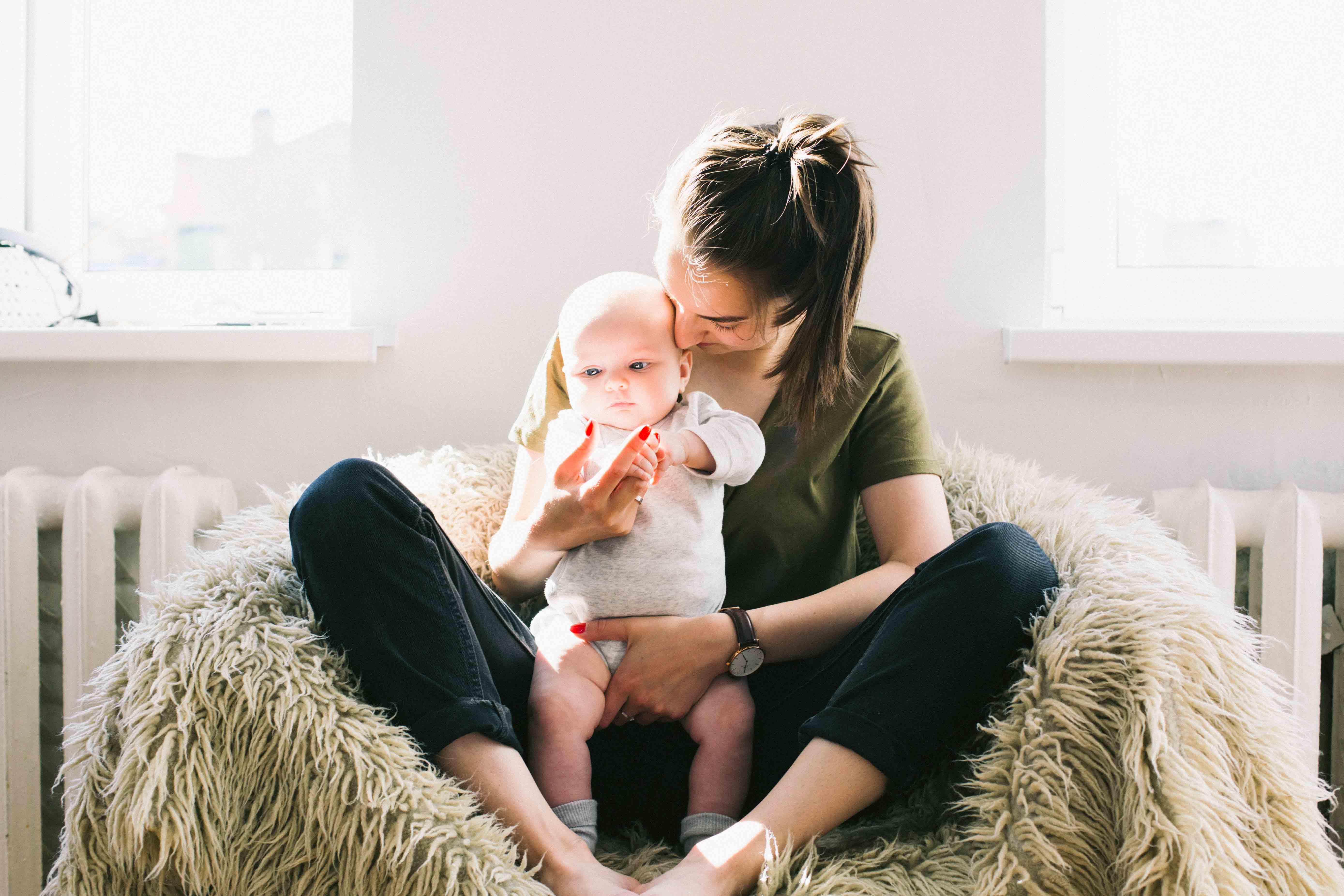 La baja por maternidad, principal causa del abandono de la lactancia