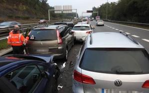 El corredor del Txorierri recupera la normalidad tras un choque entre 13 vehículos