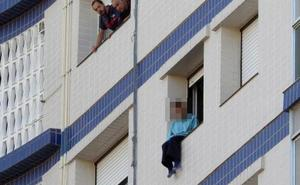 Rescatada en un noveno piso en Barakaldo