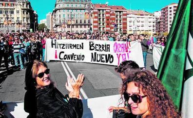 La consejera pide a sindicatos y patronal que dialoguen para acabar con el conflicto de la enseñanza concertada