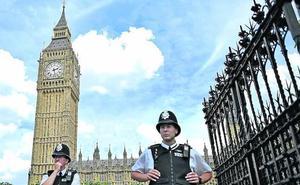 Condones usados y vomitonas en las oficinas de los diputados británicos