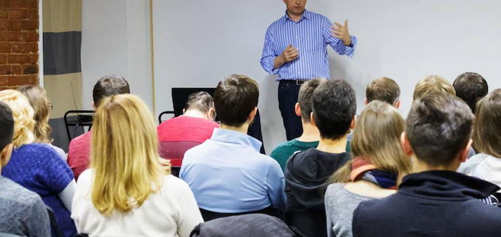 Alumnos vascos estudiarán a finales de este curso la historia de la violencia de ETA