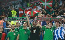 Las mejores imágenes del partido de la Euskal Selekzioa en Mendizorroza
