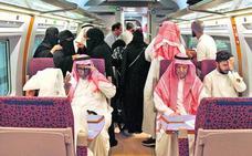 Talgo ultima los trenes del AVE a La Meca, que arranca con éxito