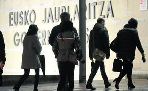 El Gobierno vasco relega a las grandes compañías en su concurso de electricidad