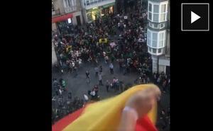 El PP denuncia el acoso a un vitoriano por colgar una bandera de España en su balcón