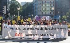Asociaciones piden una reforma de la RGI en el Día contra la Pobreza en Bilbao