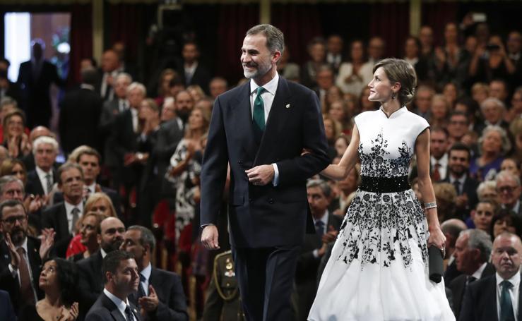 Los 'looks' de la Reina Letizia en los Premios Princesa de Asturias