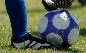 Una madre denuncia que el club Betoño no permite jugar partidos a su hijo con autismo