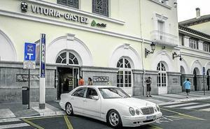 Vitoria, la segunda ciudad más cara para coger un taxi