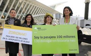 Loiu recibe a su pasajera 100 millones