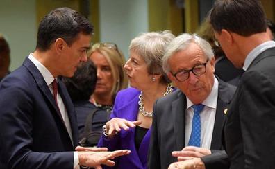 Bruselas alerta del «riesgo» del desvío presupuestario español