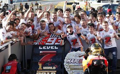 Márquez sube otro peldaño hacia el olimpo del motociclismo