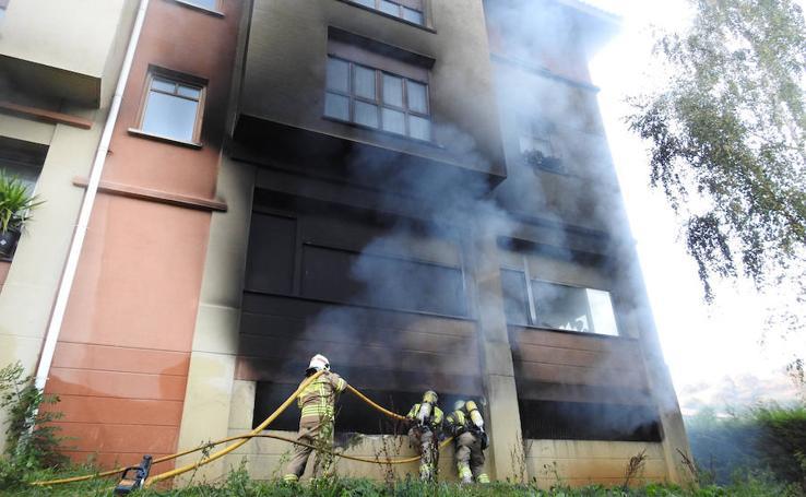 Un incendio desata la alarma en Arcentales