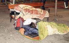 26 personas duermen en la calle en Álava