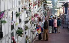 Los cementerios de Bilbao se preparan para la avalancha de visitantes en Todos los Santos