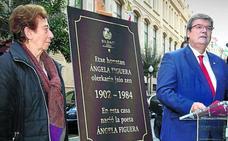Bilbao rinde homenaje a la poeta Ángela Figuera