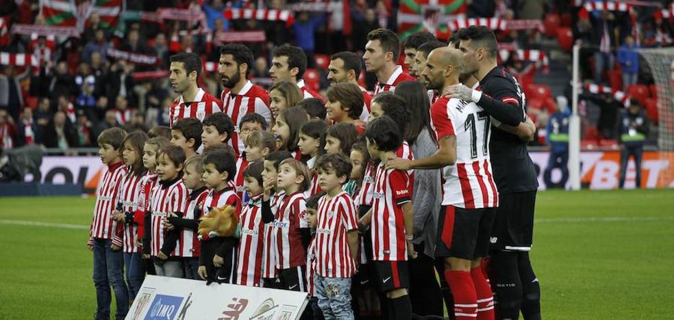 «Aita, ¿por qué el himno del Athletic solo dice 'Aupa mutillak'? ¿Y nosotras?»