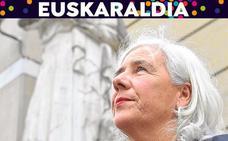 Garbiñe Biurrun: «Con el euskera sólo a fuerza de escuchar, de poner la oreja, algo queda»